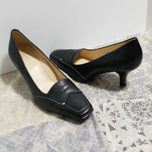 Easy Spirit Comfort Black Pumps